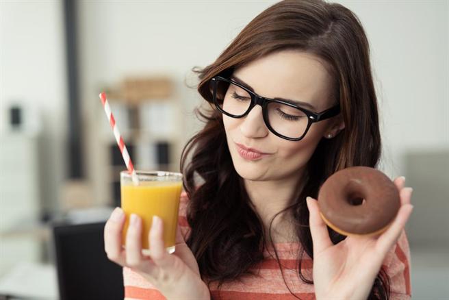 吃水果減重有地雷!營養師:「打成汁」最肥。(圖/達志影像)