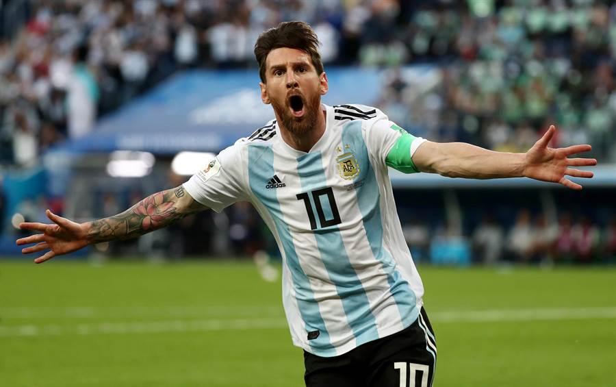 梅西進球且阿根廷終於拿到小組賽首勝,讓他相當開心。(路透)