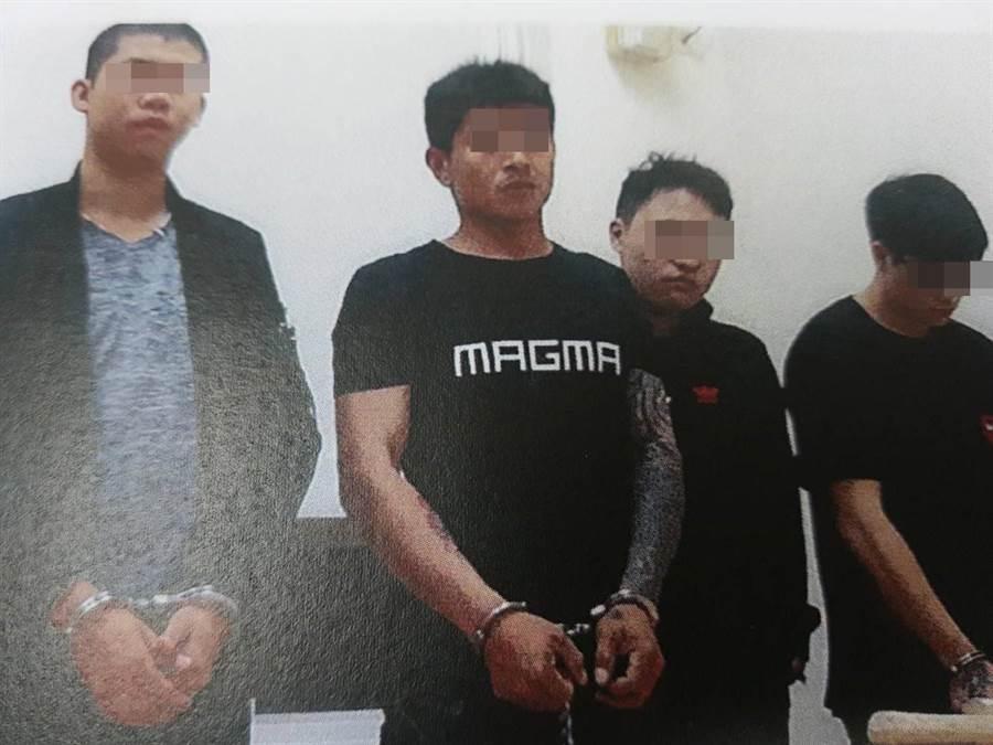 朱姓男子(左二)及其同夥強押牛姓被害人監禁在倉庫,期間強逼吸毒及吞下2顆子彈。(徐養齡翻攝)