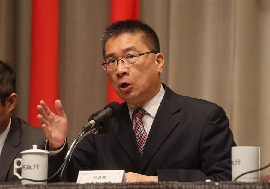 行政院發言人徐國勇(圖)28日在行政院主持院會後記者會。(中央社)