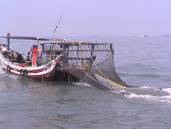 陸船越界金門電魚 海巡逮2艘5人