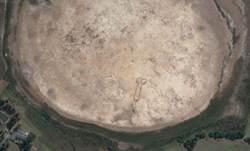 衛星地圖看到澳洲乾湖床的LP 不知作者是誰