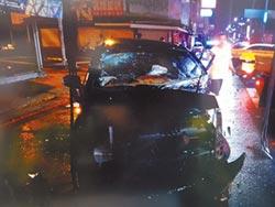 值勤警車闖紅燈 轎車挨撞駕駛亡
