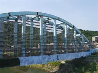 八堵鐵橋除鏽上漆 明年6月完工