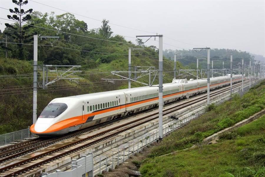 台灣高鐵搭乘將滿5億人次,第5億位幸運兒有機會獲無限搭乘自由座紀念年票。(資料照片)