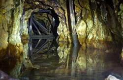 被困洞穴失踪9天 泰國學童和老師13人被發現全部活著