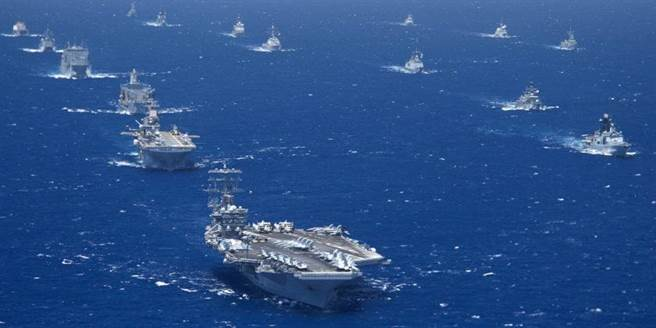 2012年環太平洋聯合軍演檔案照。(摘自美國海軍官網)