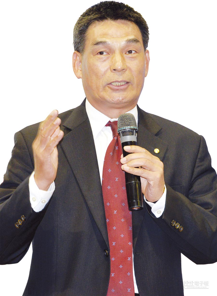 戴德梁行董事總經理顏炳立昨天主持下半年商用不動產市場展望報告。圖/本報資料照片