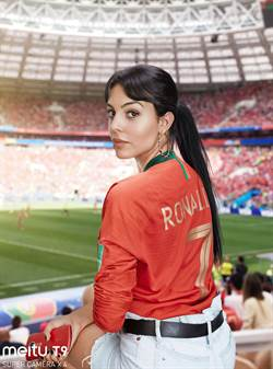就算是美女也需要美圖! 世足球星女伴團用美圖T9搶讚