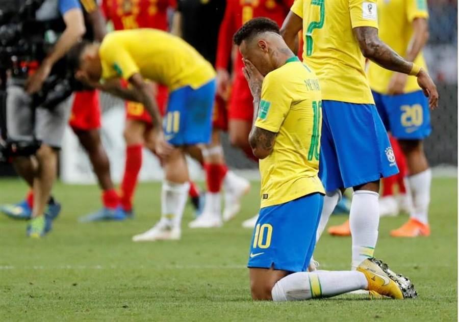 奪冠呼聲極高的巴西,最後在8強不敵比利時,慘遭淘汰。(路透資料照)