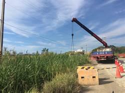新北工人操作吊車誤觸高壓電 命危送醫