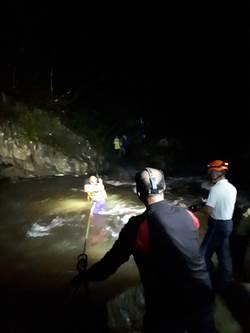相約桃市復興區爬山 3人受困獲救