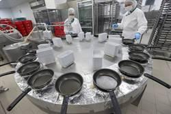 香港國泰空廚 可日產14萬份餐點