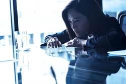 柯素雲演《遙控器》媽媽嚇傻觀眾!網驚:這根本恐怖片啊