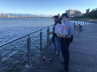備戰強颱 蘆洲警勸離淡水河域15起觀浪釣魚