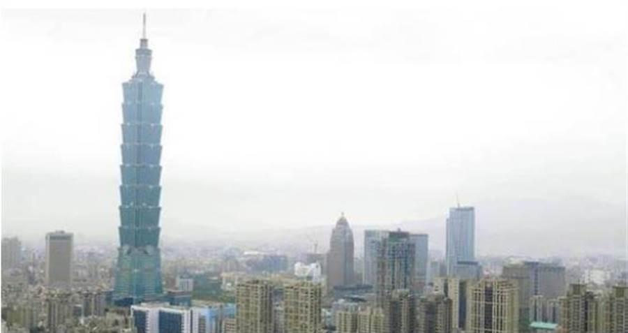 信義區億元以上豪宅待售量較去年同期減少47件。(本報系資料照片)