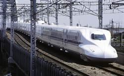 日本水災後遇酷熱 導致跑道破損火車慢行