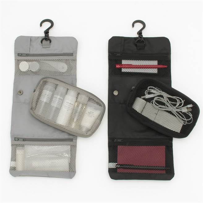 MUJI聚酯纖維吊掛小物收納袋系列,售價460元到520元。(無印良品提供)