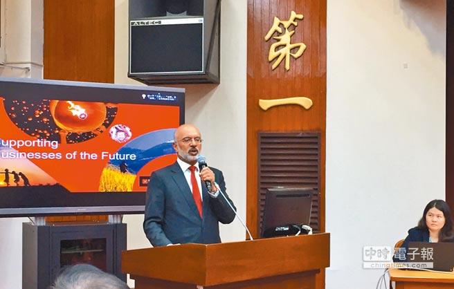 星展集團執行總裁6月22日赴立法院以「社會創新和關鍵驅力」為題發表演講,並參加社會創新國會成立大會。(謝錦芳攝)