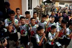 影》泰國13名球員召開記者會向各界致謝