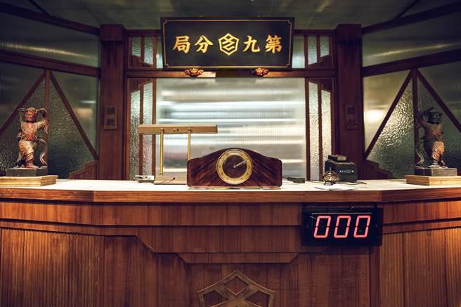《第九分局》團隊砸200萬元打造「第九分局」總部場景。(華文創提供)