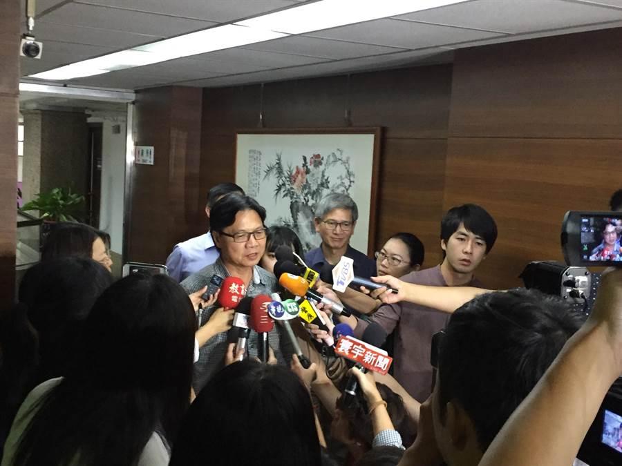教育部長葉俊榮說明管案的處理態度。(林志成攝)
