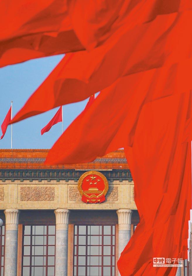 中國必須加大領頭羊力道,強化《巴黎協定》效力,制裁藉地球暖化牟利的國家,才能救地球。(新華社)