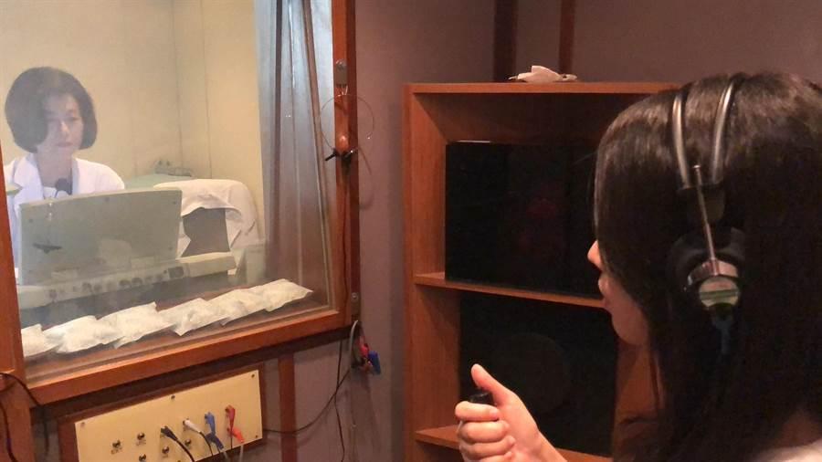 透過聽力檢查追蹤患者聽力狀況,可發現耳蝸性偏頭痛患者聽力反覆波動。(陳淑娥攝)