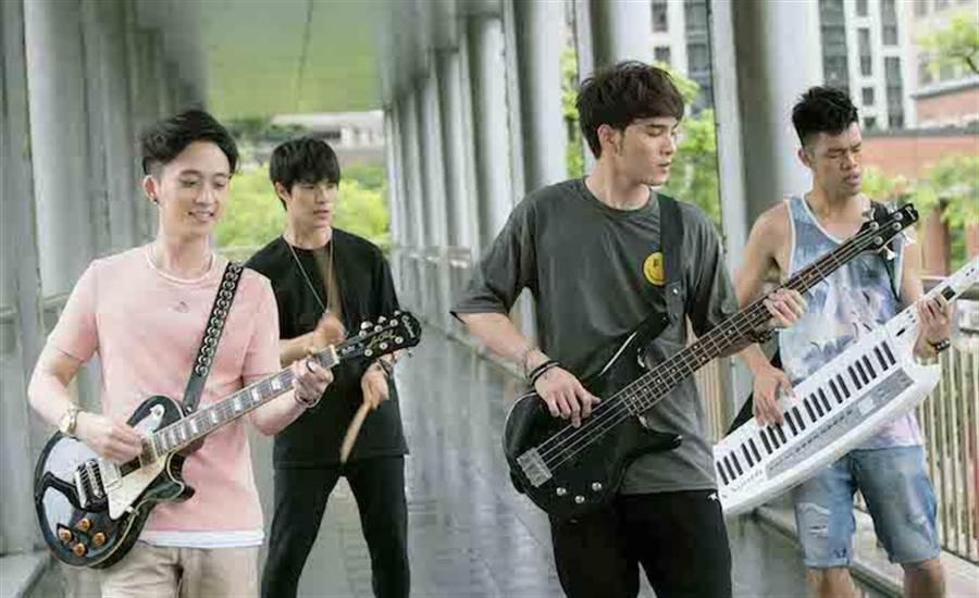 邱鋒澤(左起)、楊景涵、黃偉晉、陳大天 。( CHOCO TV提供)