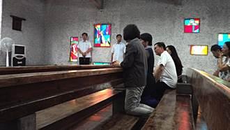 蔡總統赴公東高工教堂禱告 勸媒體試試看