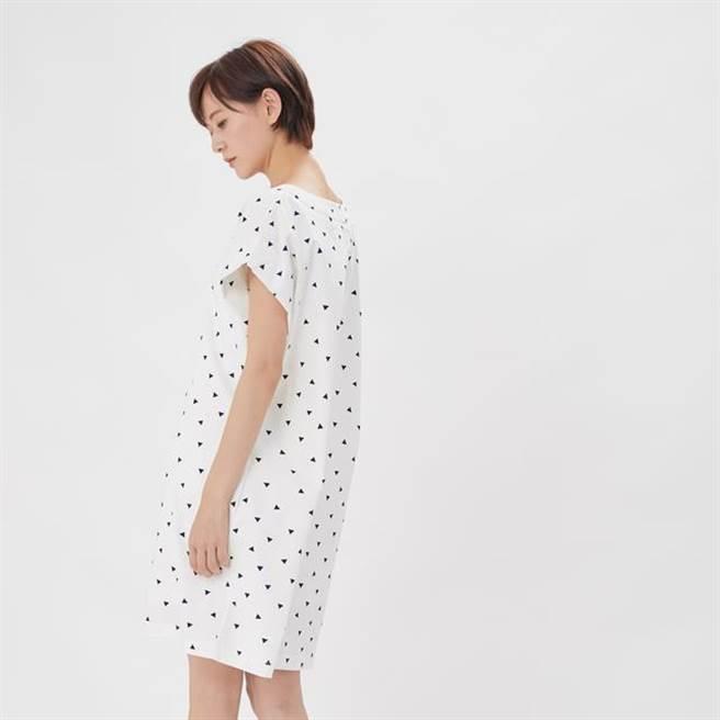 好我 so that's me Ella 艾拉圓領小蓋袖洋裝/白三角 NT$2,280。(圖/FACY Taiwan )