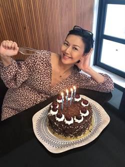 孫燕姿40歲生日登紐約時代廣場!缷貨在即「腰痠肋骨痛」