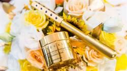 超奢華的黃金面膜還有只送不賣的閃閃發亮鍺元素滾輪、真的是貴婦級的護膚享受啊!