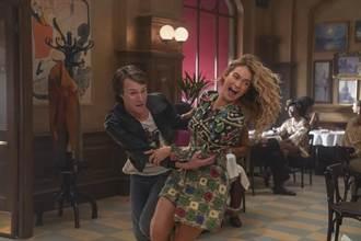 莉莉詹姆斯《媽媽咪呀2》唱功超強 梅莉史翠普狂讚