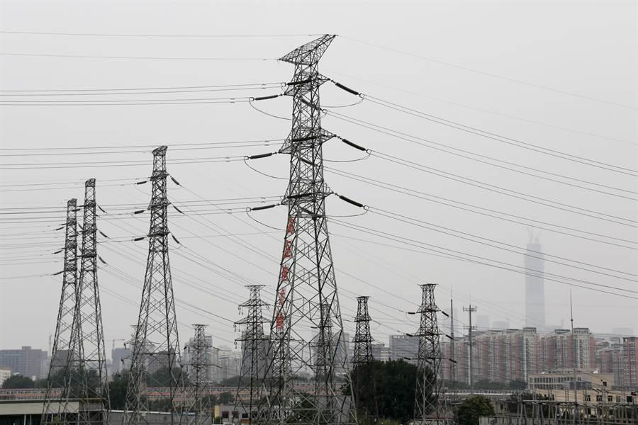 停電對美國都會地區而言是場難以控制的大型災難,駭客一旦入侵電網在都會地區造成大停電,美國社會就會陷於全面混亂。(圖/美聯社)