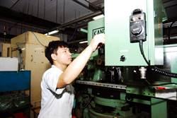 參訓勞動部雙軌計畫  22歲大學畢業成公司最年輕主管