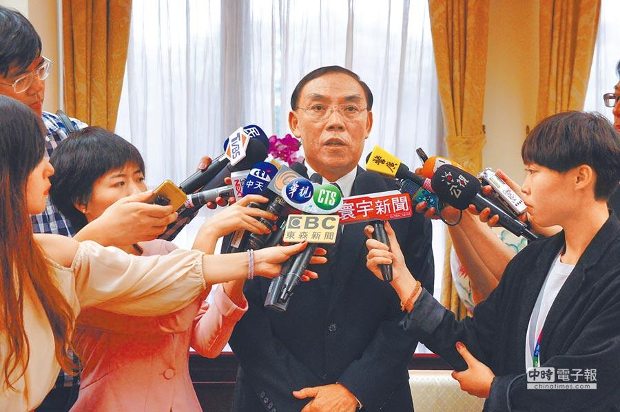 法務部長蔡清祥親上火線‧對花蓮檢察官林俊佑辦私案一事表達不齒。(張孝義攝)