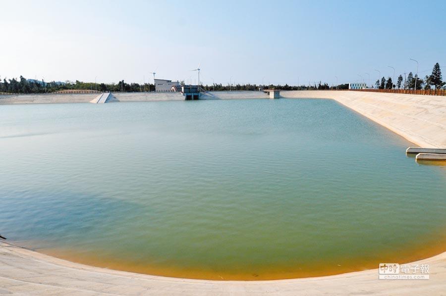 大陸通水到金門,圖為位於田埔水庫旁的受水池。(本報系記者李金生攝)