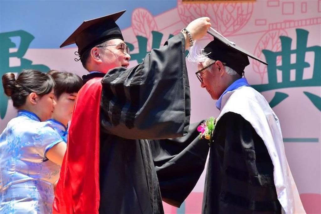 資林福地上週獲頒名譽博士學位。(林福地提供)