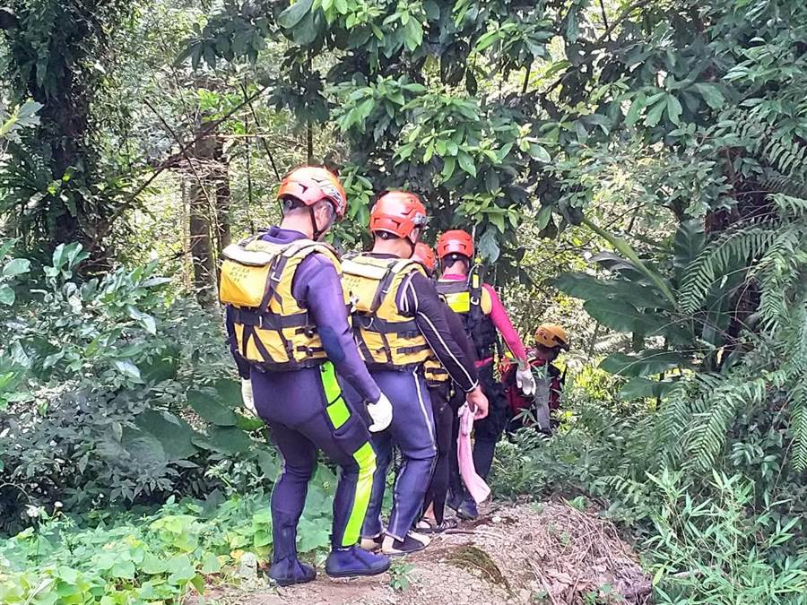 6歲女童烏來戲水失蹤,新北市消防局今(30日)再度展開搜索。(葉書宏翻攝)