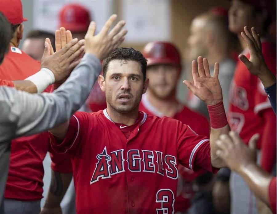 天使隊二壘手金斯勒轉隊到紅襪。(美聯社)