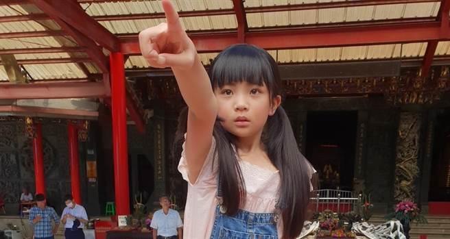 吳以涵今年10歲。(民視提供)