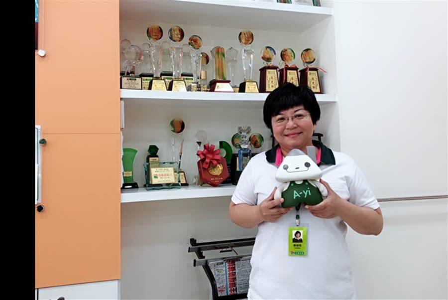 信義房屋黃琡珺曾獲台南區年度業績破千萬的經紀人。(圖/信義房屋 提供)