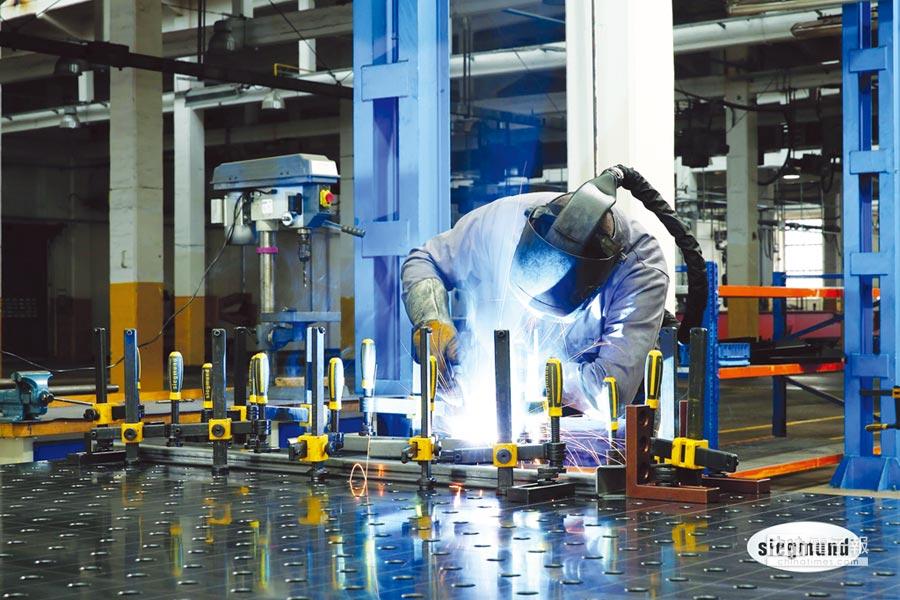 德國力格曼焊接工作桌,可因應超過5,000種以上的變化。圖/邁恩捷提供