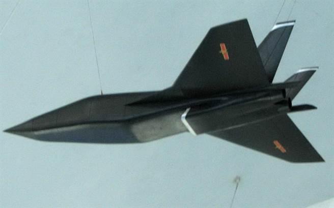 大陸所設想的太空飛機模型,也要應用乘波外型。(圖/網路)