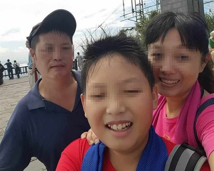 八里公寓惡火造成陳家母子2人不幸身亡。(譚宇哲翻攝)
