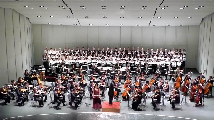 國台交在加州舊金山聖荷西表演藝術中心舉行蕭泰然紀念音樂會。(國臺交提供)