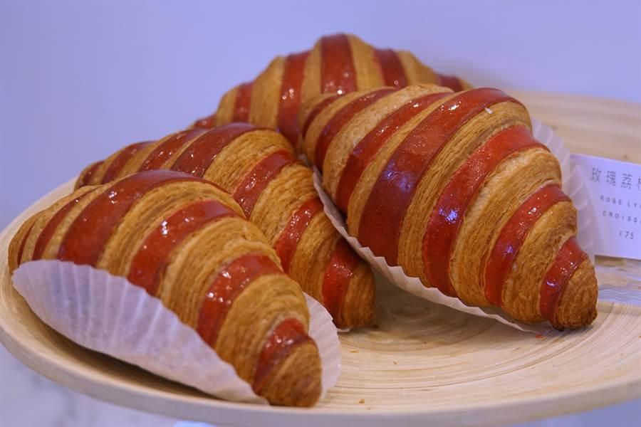 除了手工製作的甜點、蛋糕與巧克力外,〈L.Z.DESSART〉也販售美味的麵包。(攝影/姚舜)