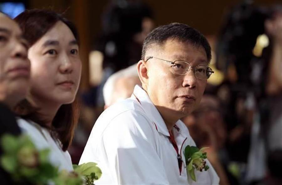 台北市长柯文哲(右)。(资料照,黄世麒摄)