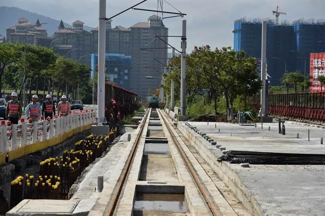 淡海輕軌今年底即將通車。圖為淡海輕軌施工情況。(本報系資料照片)
